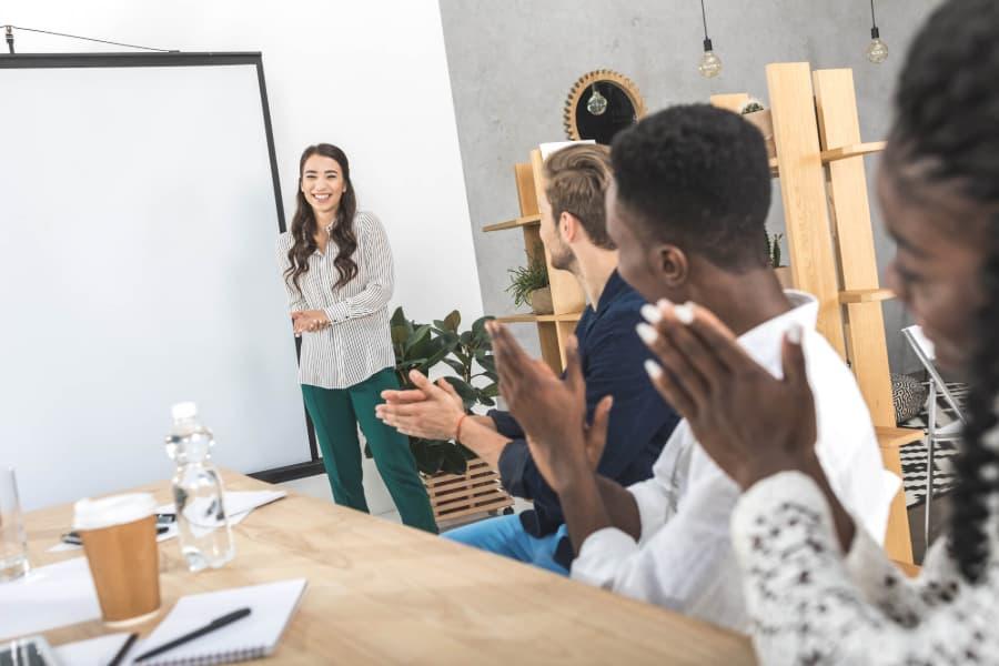 Crescimento profissional: saiba como ser promovido com estas 4 dicas